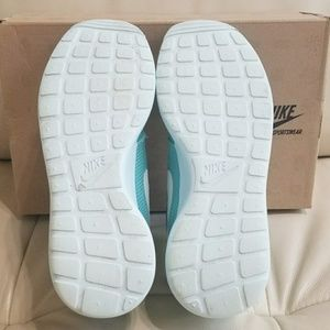 e8c67ad8755ef Nike Shoes - Nike Roshe Run (Tropical Twist Trace Blue-Volt)